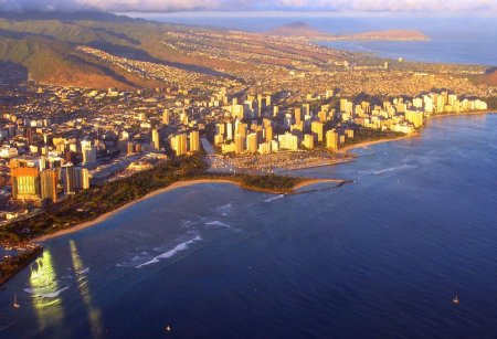 Honolulu with waikiki beach